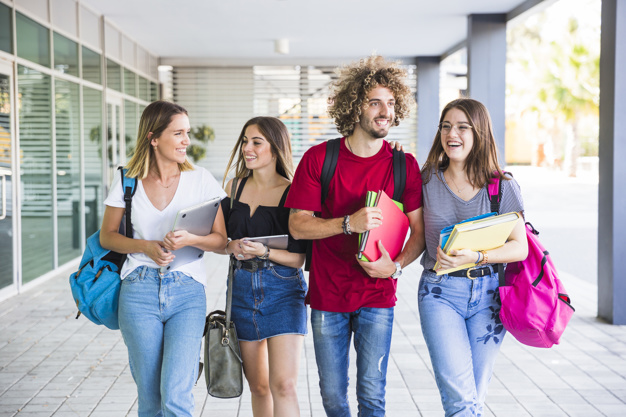 Cómo Comenzar un Negocio en la Universidad